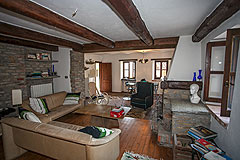 Cascina con fienile in vendita in Piemonte - Living area