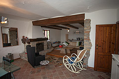 Country House with Barns for sale in Piemonte - Rustic style interior