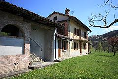Traditional Langhe Stone House for sale in Piemonte - Restored Langhe Stone House with Stunning Mountain views