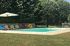 Luxury Country Home for sale in the Piemonte region of Italy - Garden and pool area