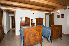 Luxury Country Home for sale in the Piemonte region of Italy - Spacious bedroom