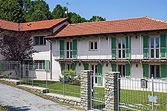 Luxuriöses Landhaus zum Verkauf  im Piemont, Italien - Front View