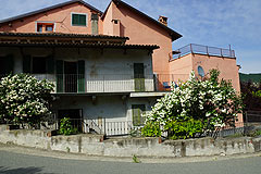 Casa situata nel centro del paese in vendita in Piemonte - Front view of the property