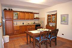 Casa situata nel centro del paese in vendita in Piemonte - Kitchen area