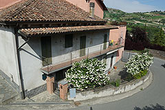 Casa situata nel centro del paese in vendita in Piemonte - Traditional Piemontese townhouse
