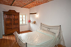 Italian Farmhouse with vineyards for sale in Piemonte - Bedroom