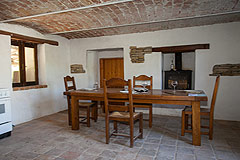 Italian farmhouse with barn for sale in Piemonte - Dining area