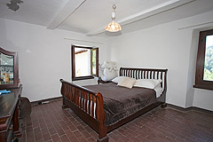Italian farmhouse with barn for sale in Piemonte - Bedroom