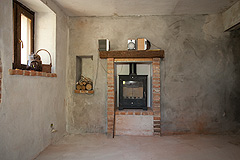 Italian farmhouse with barn for sale in Piemonte - Fireplace