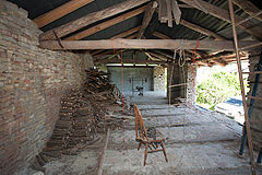 Italian farmhouse with barn for sale in Piemonte - Barn
