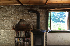 Italian farmhouse with barn for sale in Piemonte - Rustic interior