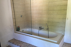Italian farmhouse with barn for sale in Piemonte - Bathroom