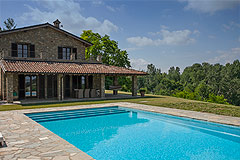 Luxury Country Home with Pool for sale in Piemonte Italy - Spacious  swimming pool