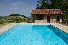 Luxury Country Home with Pool for sale in Piemonte Italy - Pool area