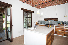 Luxury Country Home with Pool for sale in Piemonte Italy - Kitchen with vaulted ceiling