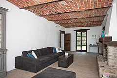 Luxury Country Home with Pool for sale in Piemonte Italy - Spacious living area