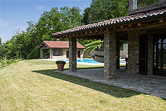 Luxury Country Home with Pool for sale in Piemonte Italy - Outside living area