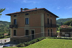 Luxury Country Home  for sale in Piemonte - Side view