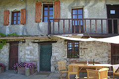 Rustic Italian farmhouse for sale in Piemonte Italy - Front view