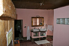 Rustic Italian farmhouse for sale in Piemonte Italy - Bathroom