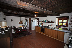 Country Home with swimming pool for sale in Piemonte - Kitchen area