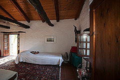 Country Home with swimming pool for sale in Piemonte - Bedroom