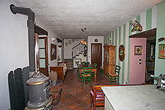 Character Country Stone House with dependance for sale in Piemonte - Dining area