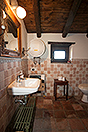 Character Country Stone House with dependance for sale in Piemonte - Bathroom Guest accommodation