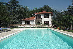 Country House with Swimming Pool for sale in Piemonte - Detached Italian Country Villa with Swimming Pool