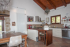Luxury Country Home with swimming pool for sale in Piemonte - Kitchen area