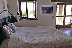 Elegante casa in pietra con piscina in vendita in Piemonte - Bedroom