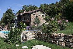 Elegante casa in pietra con piscina in vendita in Piemonte - Tranquil position