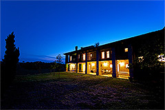 Country Estate with Vineyard for sale in Piemonte - Evening view