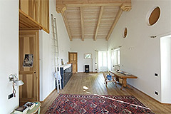 Country Estate with Vineyard for sale in Piemonte - Exposed wood ceilings