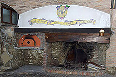 Characteristic Guest House for sale in the prestigious wine area of Barolo - Fireplace