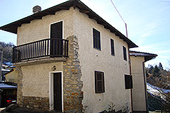 Village House for sale , Piemonte - Side view