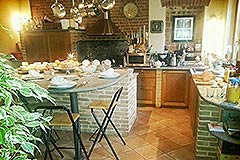 Cascina in vendita in Piemonte - Kitchen-Dining area