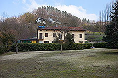 Traditional Italian farmhouse for sale in Piemonte - Tranquil position