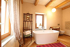 Luxury Stone Property for sale in Piemonte Italy - Bathroom