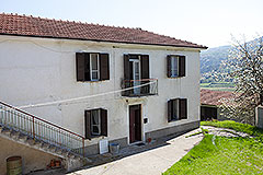 Italian farmhouse for sale in Piemonte - Farmhouse