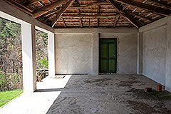 Italian farmhouse for sale in Piemonte - Barn area