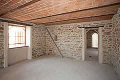 Restored Farmhouse for sale in Piemonte Italy - Traditional vaulted ceiling