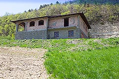 Traditional Stone House requiring finishing for sale in Piemonte - Elevated position