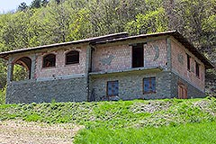 Traditional Stone House requiring finishing for sale in Piemonte - Front view