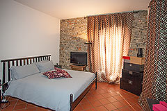 Country Property for sale in Piemonte - Bedroom