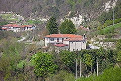 Traditional Italian Farmhouse for sale in Piemonte - Distant view of property