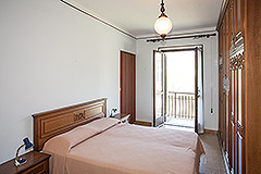 Traditional Italian Farmhouse for sale in Piemonte - Bedroom