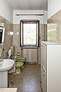 Traditional Italian Farmhouse for sale in Piemonte - Bathroom