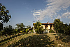 Country property for sale in Piemonte - Country House with  Garage and Independent Apartment.