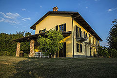 Country property for sale in Piemonte - Side view